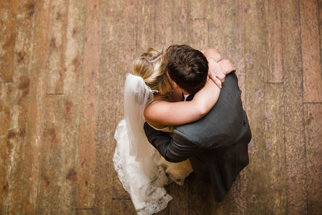 A gorgeous real wedding at Old Luxters Barn with Hannah McClune Photography (30)