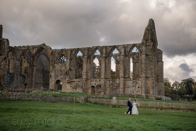 A romantic teepee wedding in Yorkshire with portraits at Bolton Abbey (14)