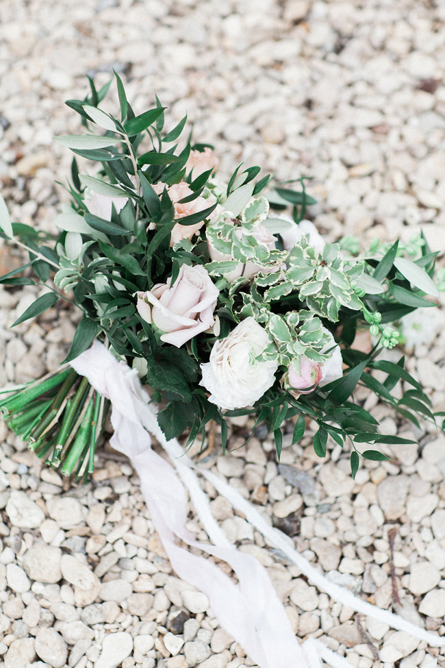 Greenery and statement blooms for an English garden wedding photographed by Bowtie and Belle (7)