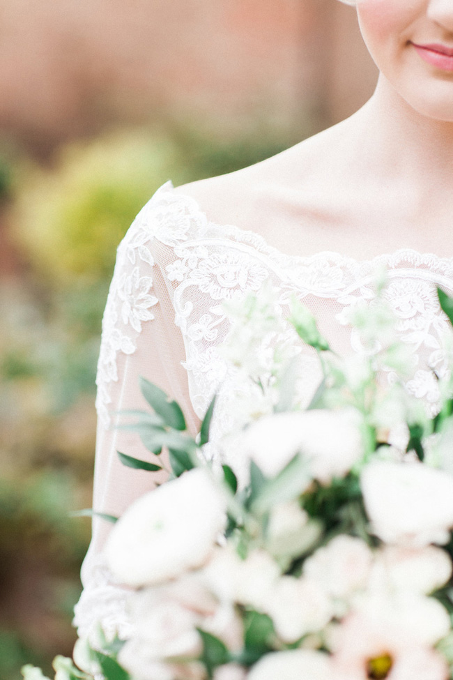 Greenery and statement blooms for an English garden wedding photographed by Bowtie and Belle (3)