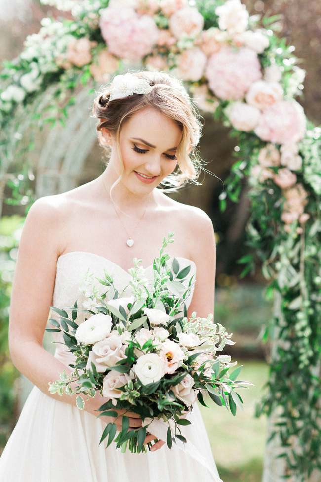 Greenery and statement blooms for an English garden wedding photographed by Bowtie and Belle (23)
