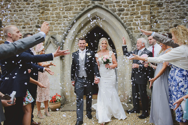 Classic English summer wedding at Ewshot Hall with Susan Arnold Photography (13)