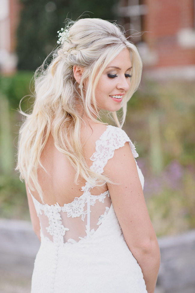 Classic English summer wedding at Ewshot Hall with Susan Arnold Photography (24)