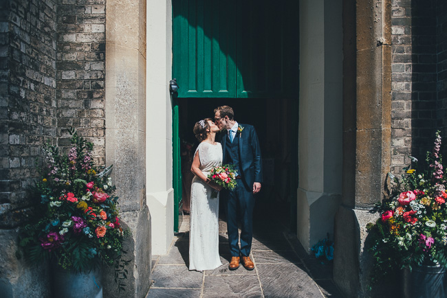 Fabulous flowers and amazing wedding tables at Dorney Court, images by Nicola Thompson Photography (12)