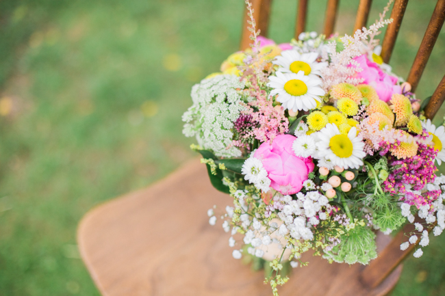 Bright and bold daisy wedding bouquet with tons of colour and afternoon tea - Sophie Evans Photography (24)
