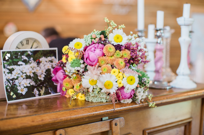Bright and bold daisy wedding bouquet with tons of colour and afternoon tea - Sophie Evans Photography (37)