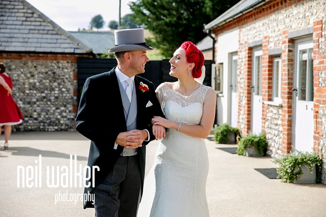 Glamour and vintage chic for a fabulous Hollywood inspired wedding blog (15)