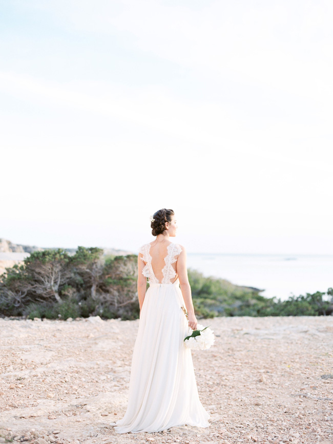 A breathtaking coastal wedding inspiration shoot in Ibiza with Hannah Duffy Photography (4)