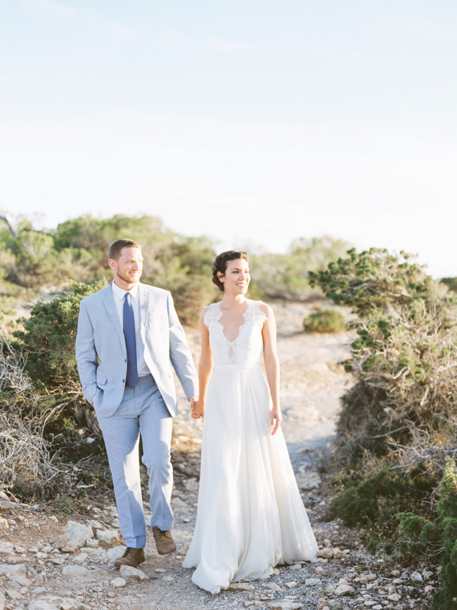 A breathtaking coastal wedding inspiration shoot in Ibiza with Hannah Duffy Photography (7)