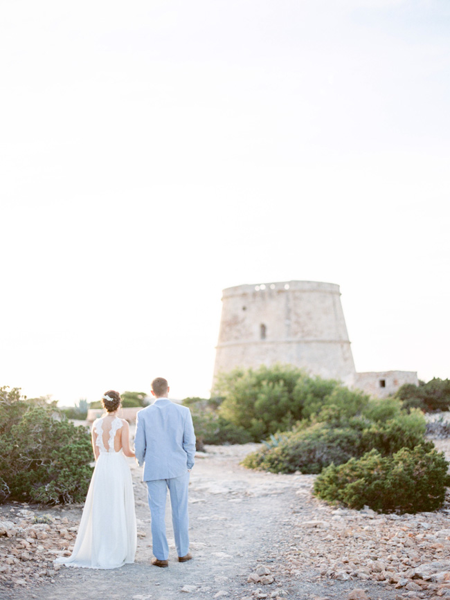 A breathtaking coastal wedding inspiration shoot in Ibiza with Hannah Duffy Photography (8)