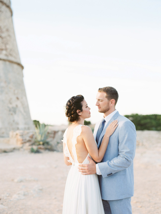 A breathtaking coastal wedding inspiration shoot in Ibiza with Hannah Duffy Photography (10)