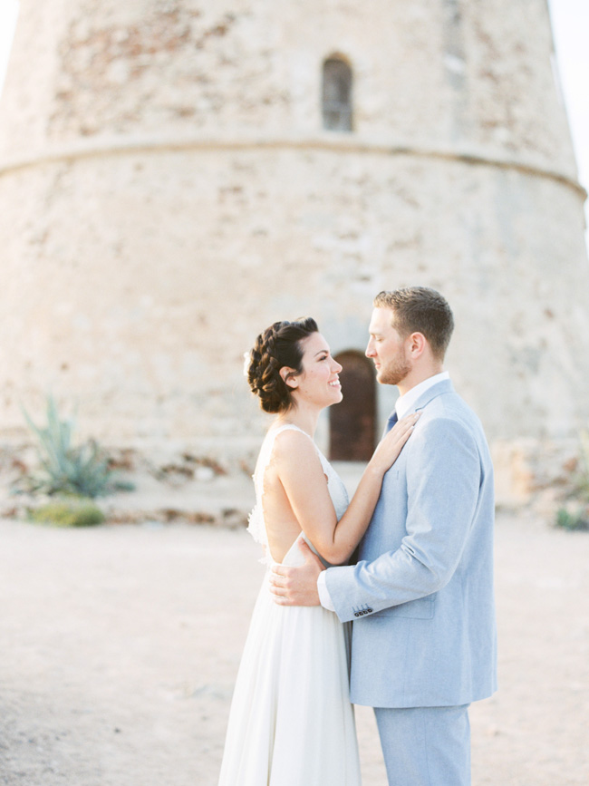 A breathtaking coastal wedding inspiration shoot in Ibiza with Hannah Duffy Photography (11)