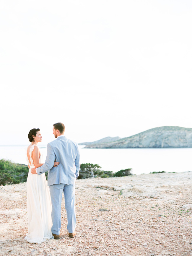 A breathtaking coastal wedding inspiration shoot in Ibiza with Hannah Duffy Photography (12)