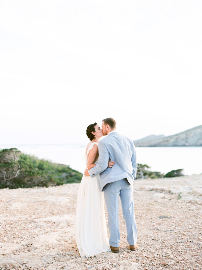 A breathtaking coastal wedding inspiration shoot in Ibiza with Hannah Duffy Photography (13)