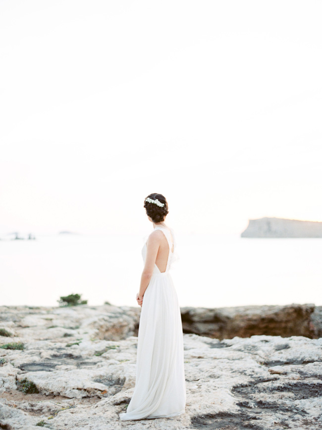 A breathtaking coastal wedding inspiration shoot in Ibiza with Hannah Duffy Photography (14)