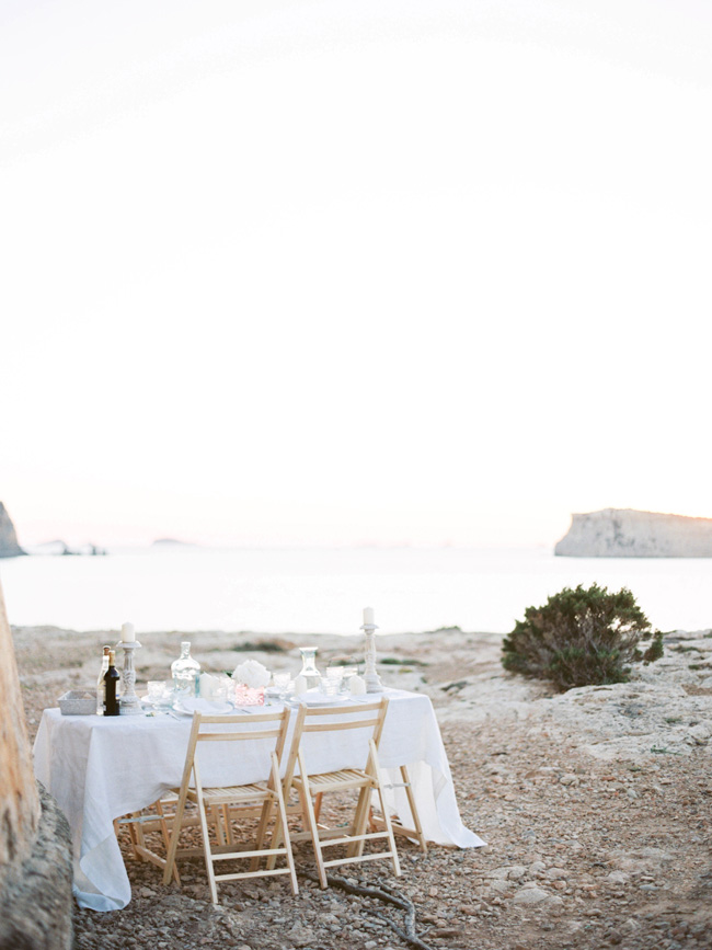 A breathtaking coastal wedding inspiration shoot in Ibiza with Hannah Duffy Photography (17)