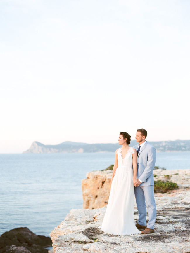 A breathtaking coastal wedding inspiration shoot in Ibiza with Hannah Duffy Photography (20)