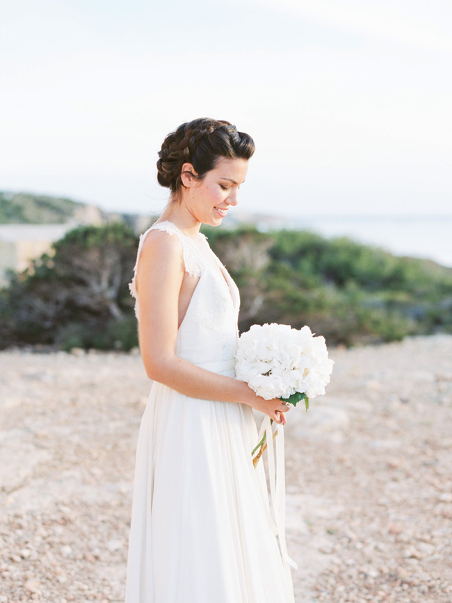 A breathtaking coastal wedding inspiration shoot in Ibiza with Hannah Duffy Photography (37)