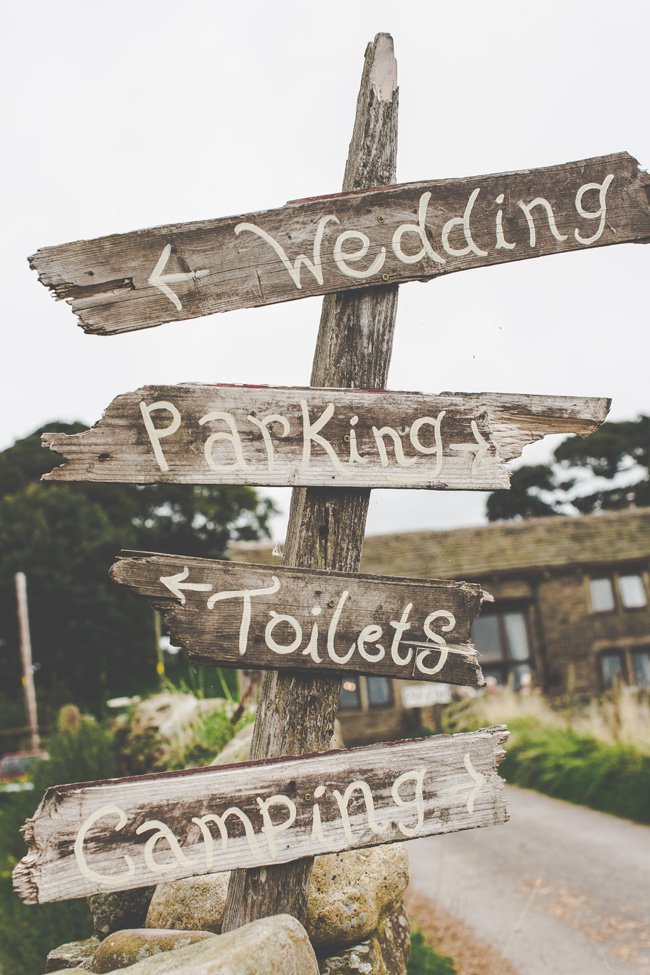 Relaxed, fun barn wedding in Derbyshire - images by Sally Eaves Photography (11)