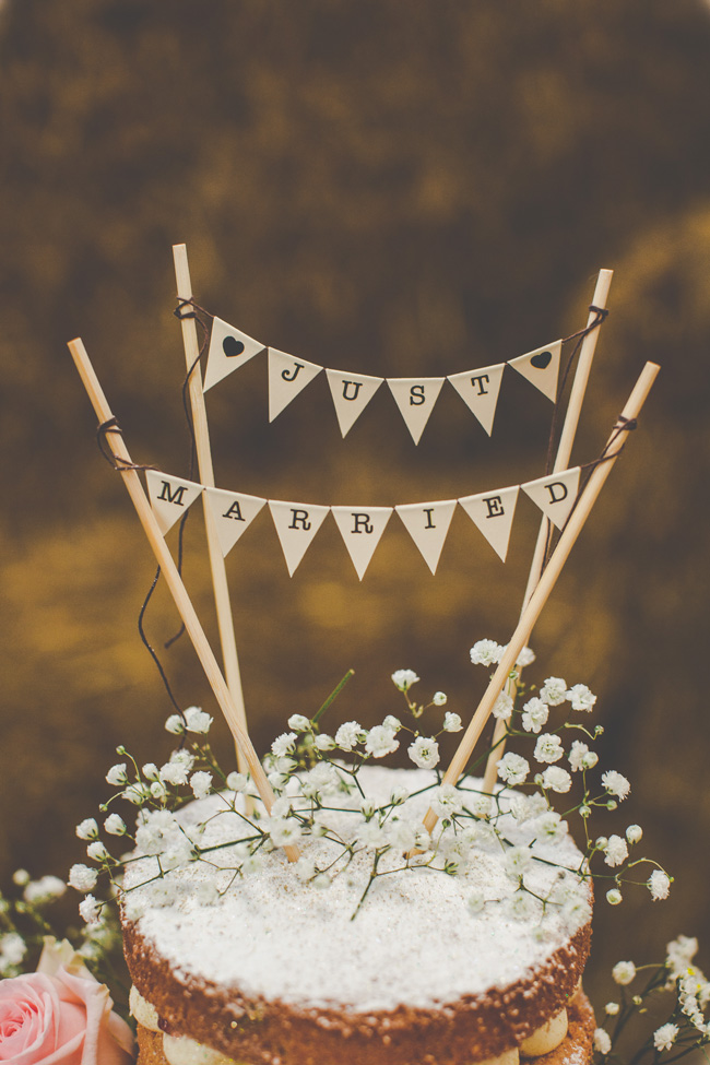 Relaxed, fun barn wedding in Derbyshire - images by Sally Eaves Photography (14)