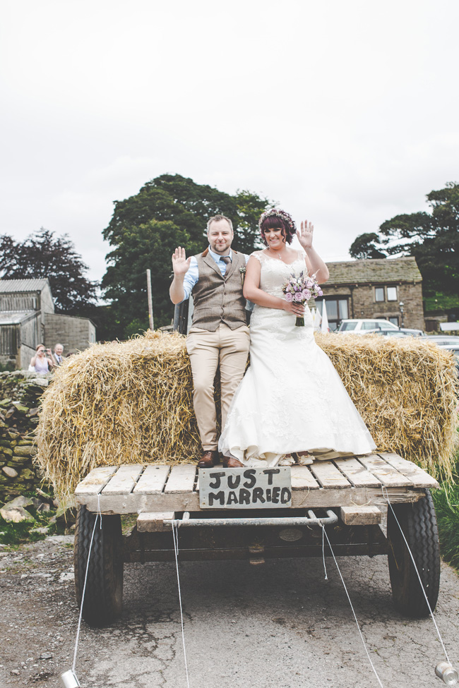 Relaxed, fun barn wedding in Derbyshire - images by Sally Eaves Photography (16)