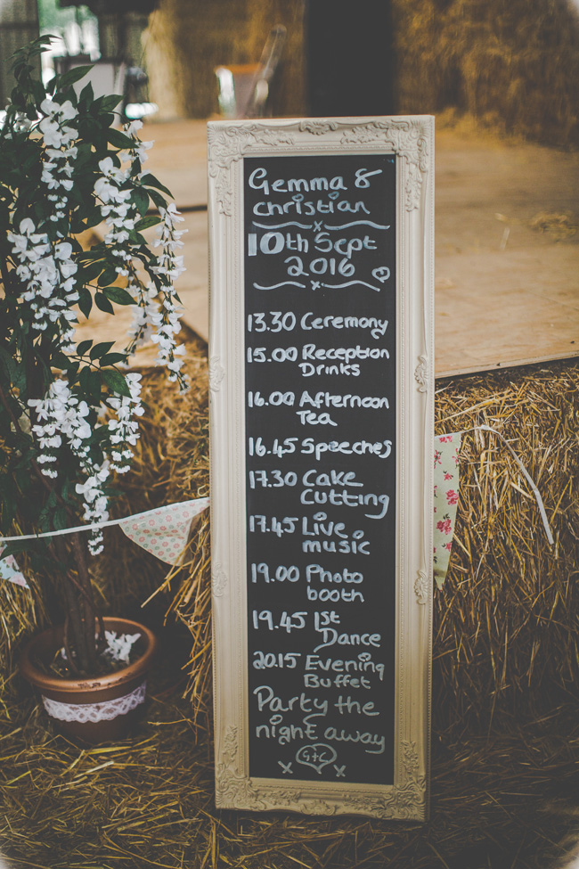 Relaxed, fun barn wedding in Derbyshire - images by Sally Eaves Photography (20)