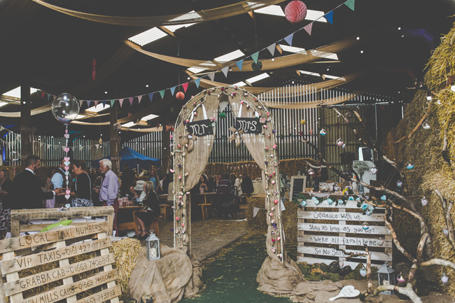 Relaxed, fun barn wedding in Derbyshire - images by Sally Eaves Photography (22)