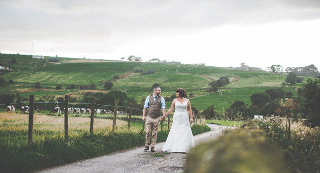 Relaxed, fun barn wedding in Derbyshire - images by Sally Eaves Photography (27)