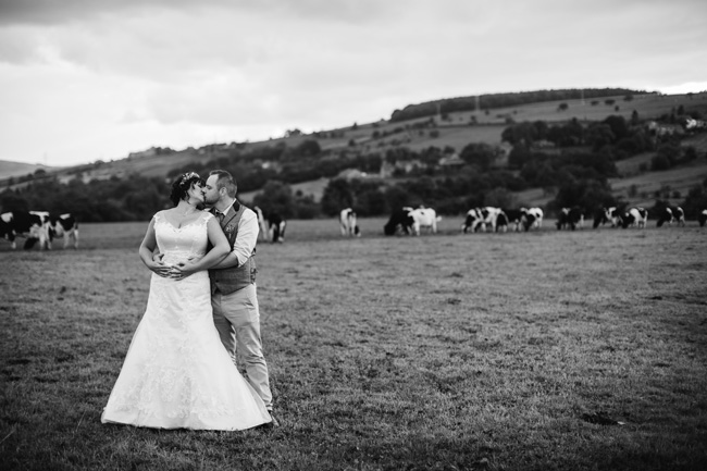 Relaxed, fun barn wedding in Derbyshire - images by Sally Eaves Photography (28)