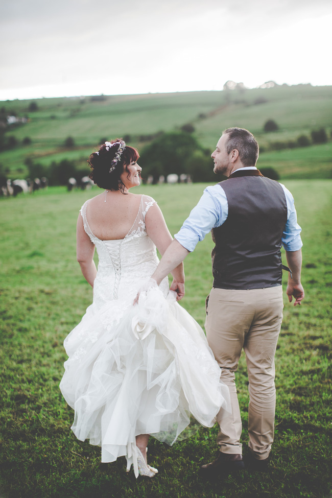 Relaxed, fun barn wedding in Derbyshire - images by Sally Eaves Photography (29)