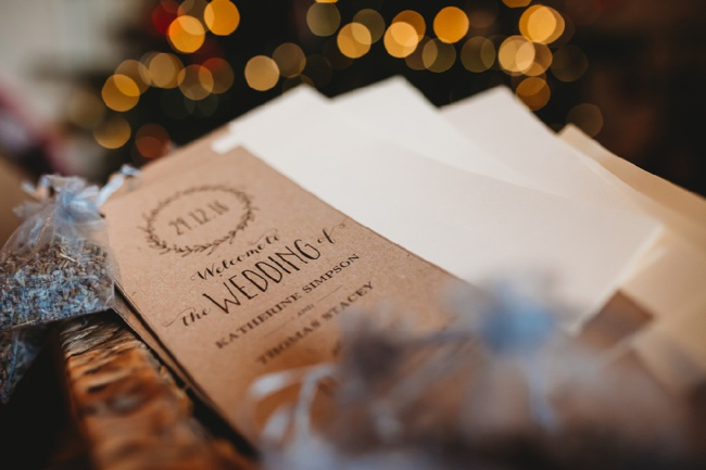 Winter wedding ideas for a simple and elegant day. Images by Holly Collings Photography (1)