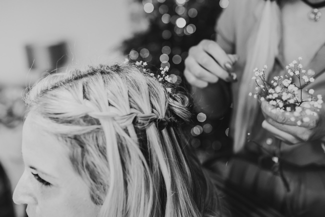 Winter wedding ideas for a simple and elegant day. Images by Holly Collings Photography (2)