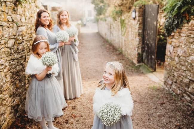 Winter wedding ideas for a simple and elegant day. Images by Holly Collings Photography (3)