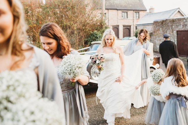 Winter wedding ideas for a simple and elegant day. Images by Holly Collings Photography (5)