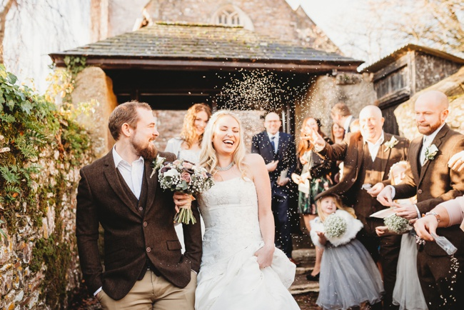 Winter wedding ideas for a simple and elegant day. Images by Holly Collings Photography (9)