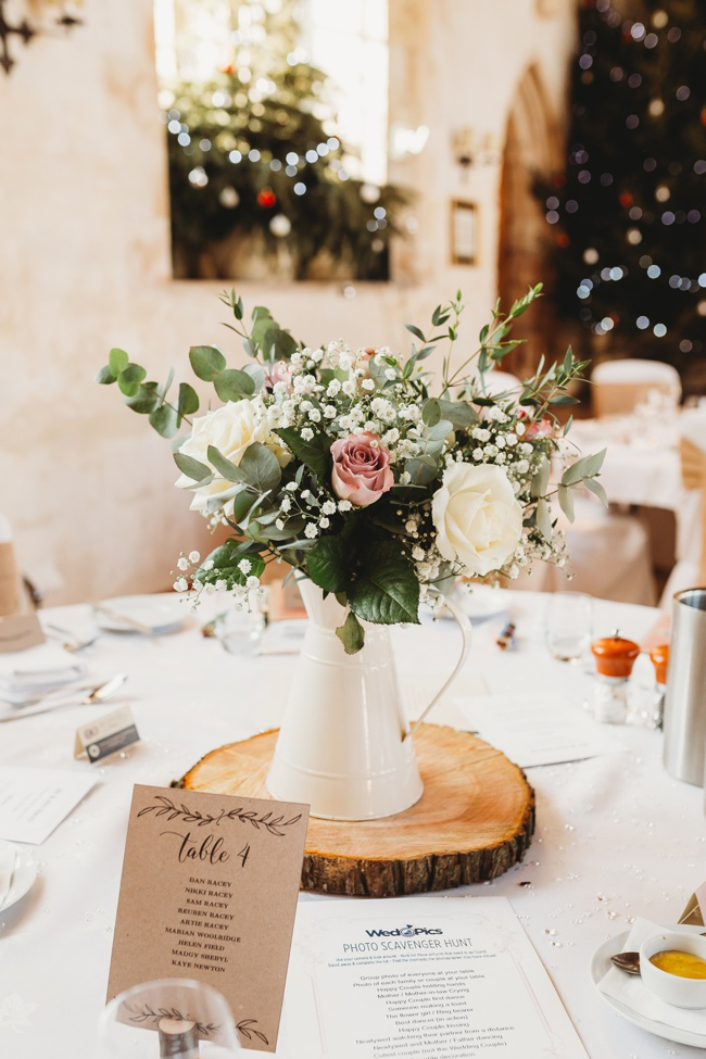 Winter wedding ideas for a simple and elegant day. Images by Holly Collings Photography (11)