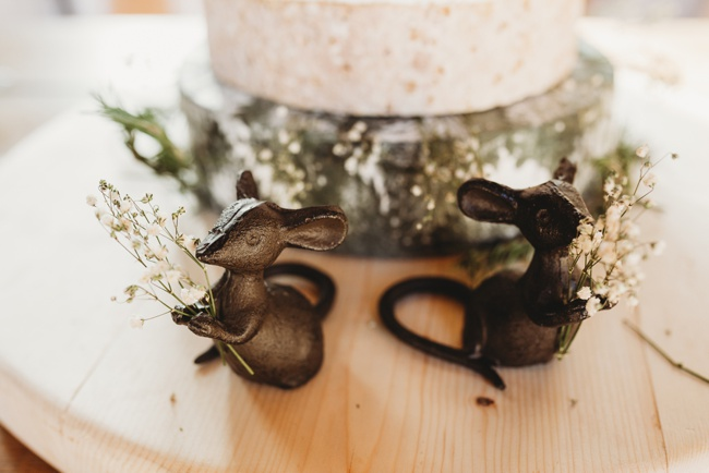 Winter wedding ideas for a simple and elegant day. Images by Holly Collings Photography (17)