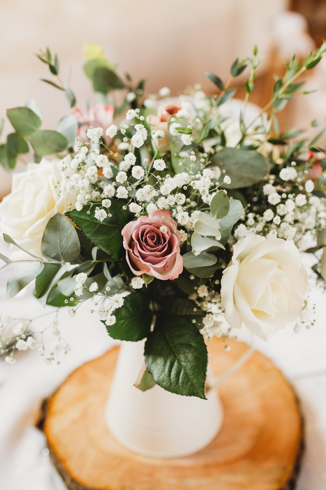 Winter wedding ideas for a simple and elegant day. Images by Holly Collings Photography (18)
