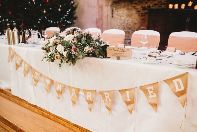 Winter wedding ideas for a simple and elegant day. Images by Holly Collings Photography (21)