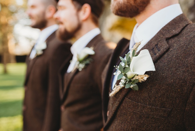 Winter wedding ideas for a simple and elegant day. Images by Holly Collings Photography (32)