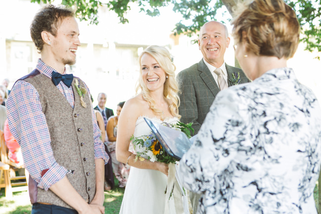 A fabulous summer wedding with cider and scarecrows! Emma Stoner Weddings (21)
