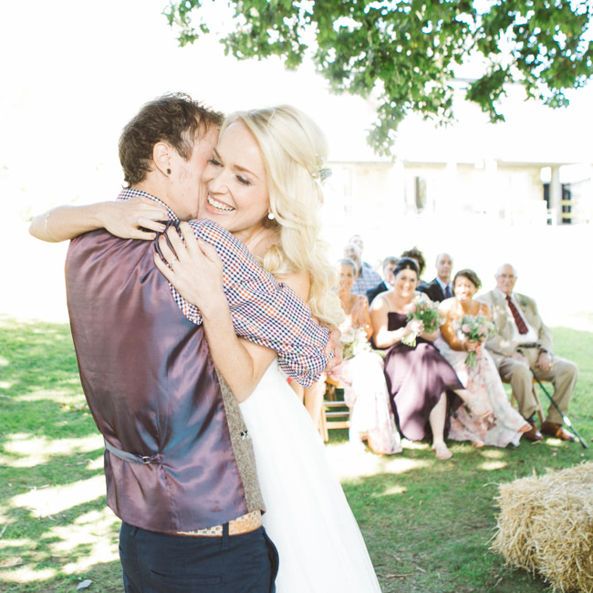 A fabulous summer wedding with cider and scarecrows! Emma Stoner Weddings (23)