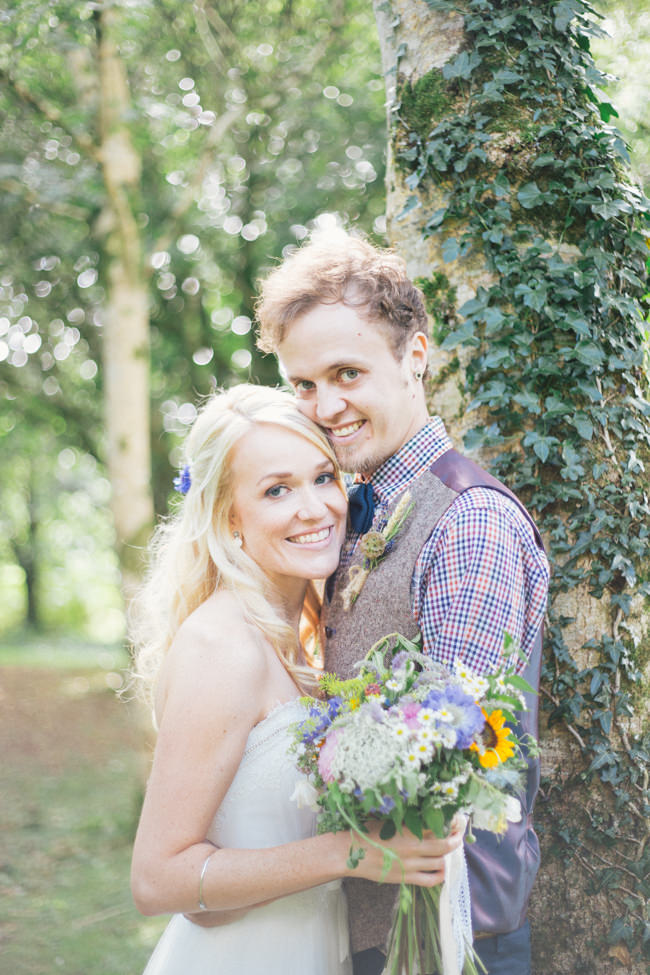 A fabulous summer wedding with cider and scarecrows! Emma Stoner Weddings (29)