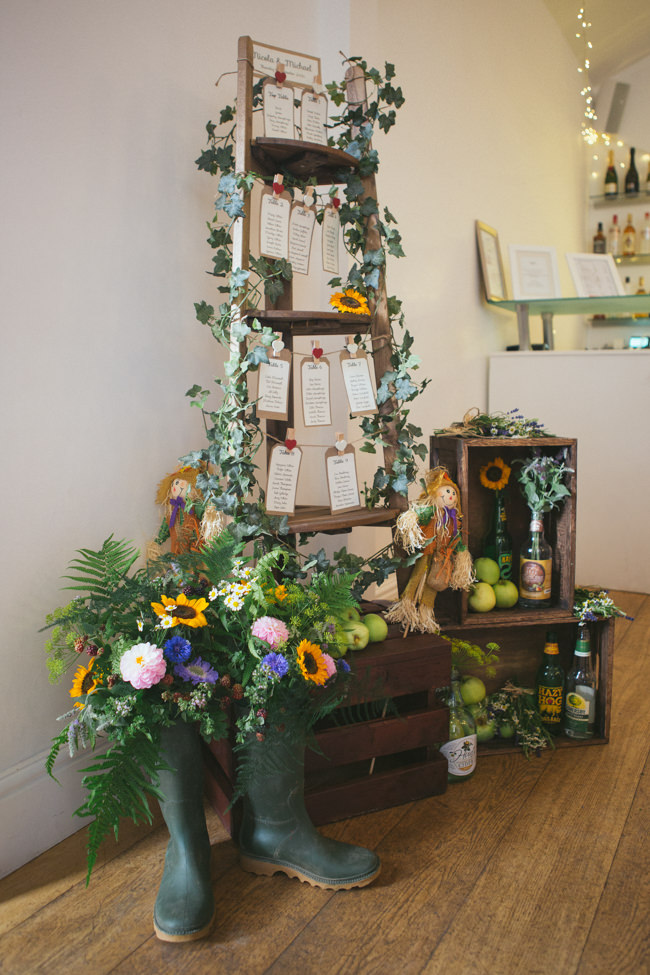A fabulous summer wedding with cider and scarecrows! Emma Stoner Weddings (30)