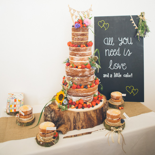 A fabulous summer wedding with cider and scarecrows! Emma Stoner Weddings (34)