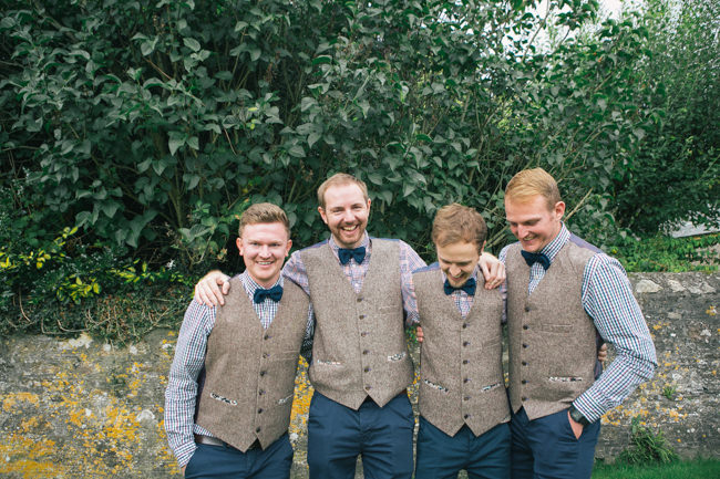 A fabulous summer wedding with cider and scarecrows! Emma Stoner Weddings (9)