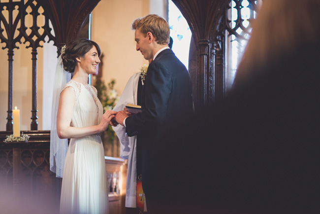 Elegant bridal style and a fun, relaxed Oak Barn wedding in beautiful Devon. Image by Lee Maxwell Photography (7)