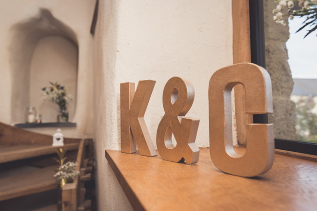 Elegant bridal style and a fun, relaxed Oak Barn wedding in beautiful Devon. Image by Lee Maxwell Photography (15)