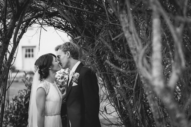 Elegant bridal style and a fun, relaxed Oak Barn wedding in beautiful Devon. Image by Lee Maxwell Photography (24)