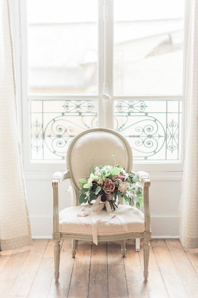 Romance and sunshine in Paris - a beautiful elopement story with Victoria JK Lamburn Photography (1)